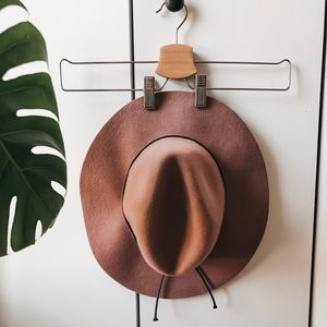 URBAN OUTFITTERS FLOPPY HAT